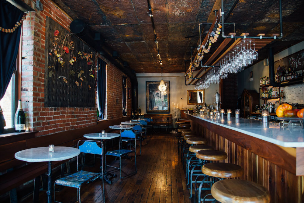 Stunning Champagne Bars Across the U.S. To Sprend NYE 03 champagne bars across the u.s. Stunning Champagne Bars Across the U.S. To Spend NYE Stunning Champagne Bars Across the U