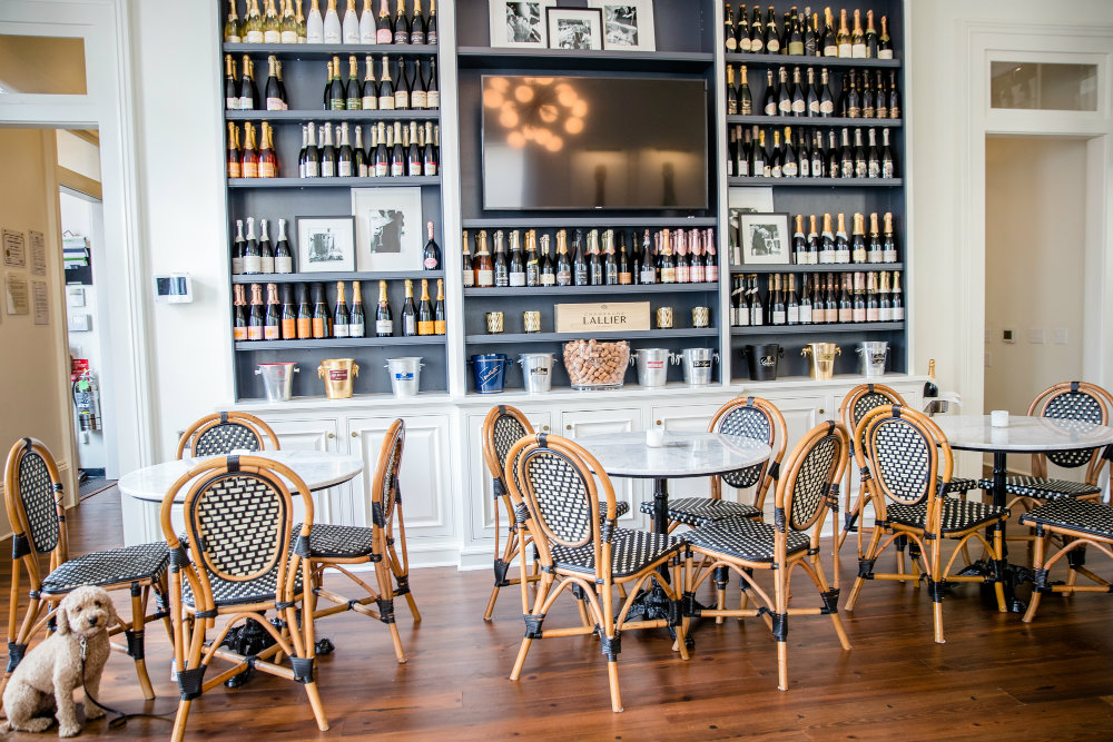 Stunning Champagne Bars Across the U.S. To Sprend NYE 06