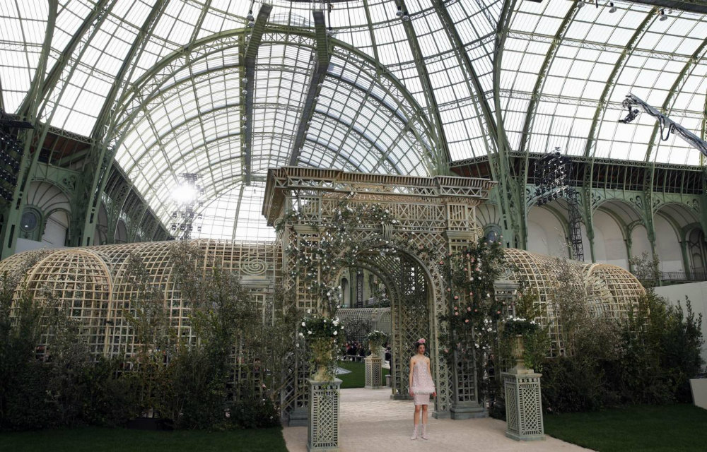 Chanel Dazzles at Paris Couture Fashion Week 2018 03