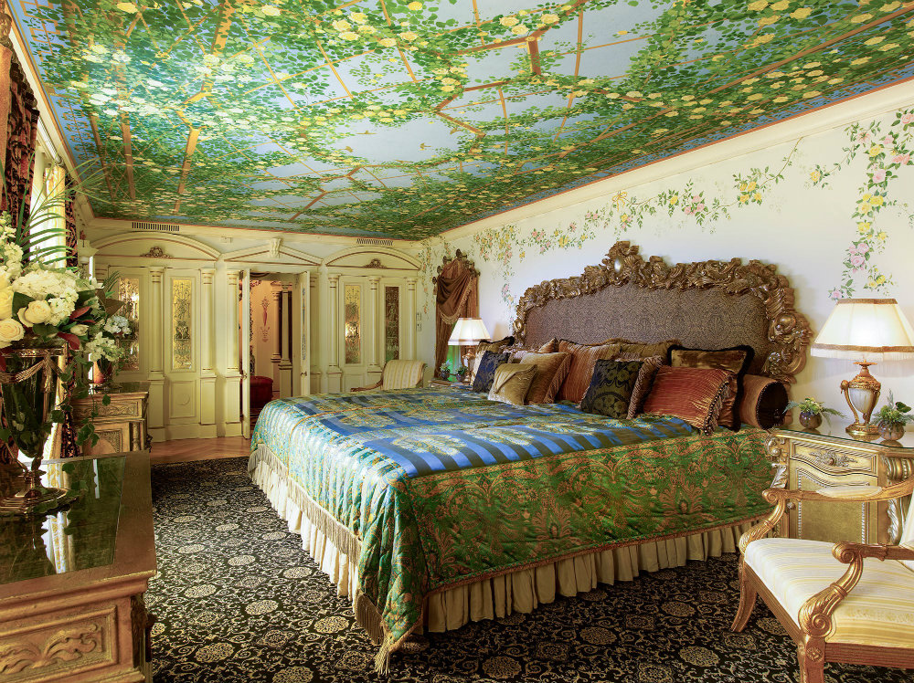 Gianni Vesace Miami Mansion Is Now A Luxury Hotel 03 luxury hotel Gianni Versace Miami Mansion Is Now A Luxury Hotel Gianni Vesace Miami Mansion Is Now A Luxury Hotel 03