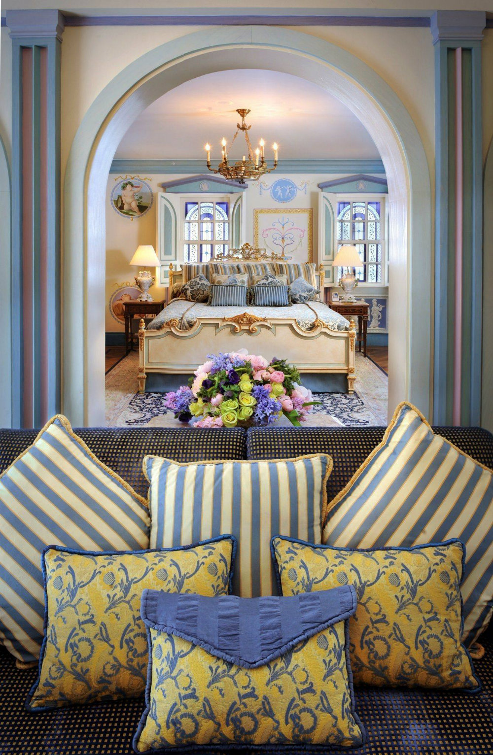 luxury hotel Gianni Vesace Miami Mansion Is Now A Luxury Hotel Gianni Vesace Miami Mansion Is Now A Luxury Hotel 06