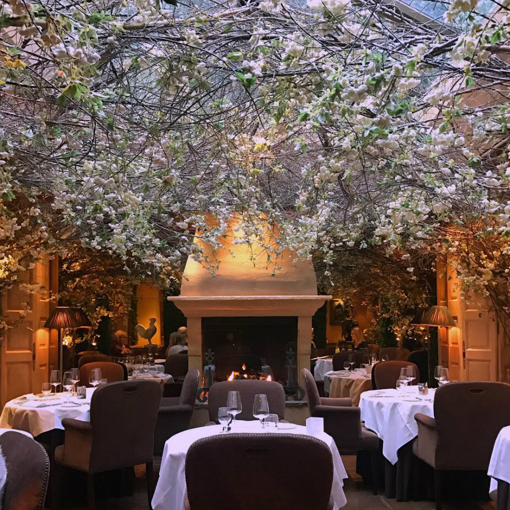 The Most Romantic Restaurants for Valentine's Day 04 restaurants for valentine's day The Most Romantic Restaurants for Valentine's Day The Most Romantic Restaurants for Valentines Day 04