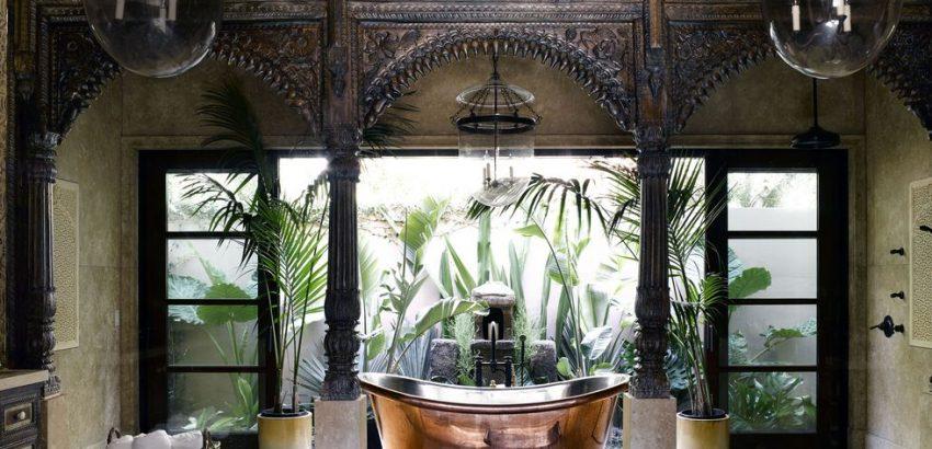 Luxury Outdoor Showers To Update Your Backyard 01