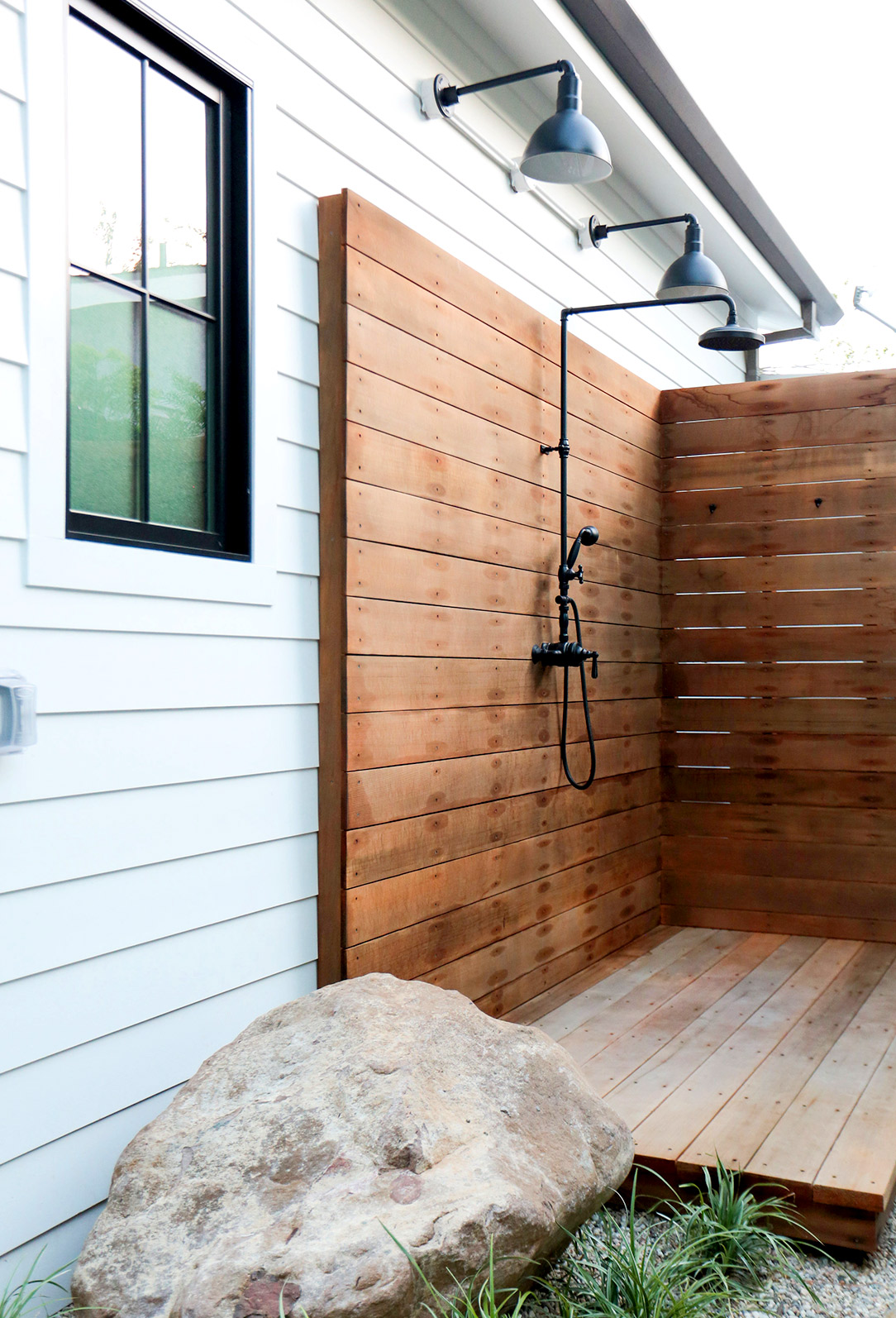 Luxury Outdoor Showers To Update Your Backyard 05 Luxury outdoor showers Luxury Outdoor Showers To Update Your Backyard Luxury Outdoor Showers To Update Your Backyard 05