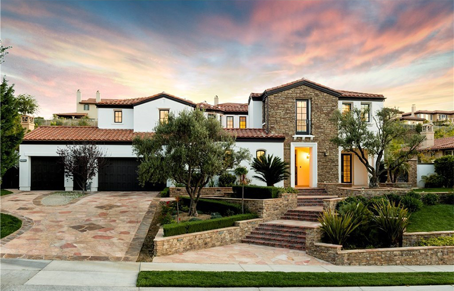 Celebrity Homes The Houses of the Kardashian-Jenner Family 03 Houses of the Kardashian-Jenner Family Celebrity Homes: The Houses of the Kardashian-Jenner Family Celebrity Homes The Houses of the Kardashian Jenner Family 03
