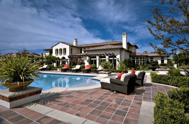 Celebrity Homes The Houses of the Kardashian-Jenner Family 04 Houses of the Kardashian-Jenner Family Celebrity Homes: The Houses of the Kardashian-Jenner Family Celebrity Homes The Houses of the Kardashian Jenner Family 04
