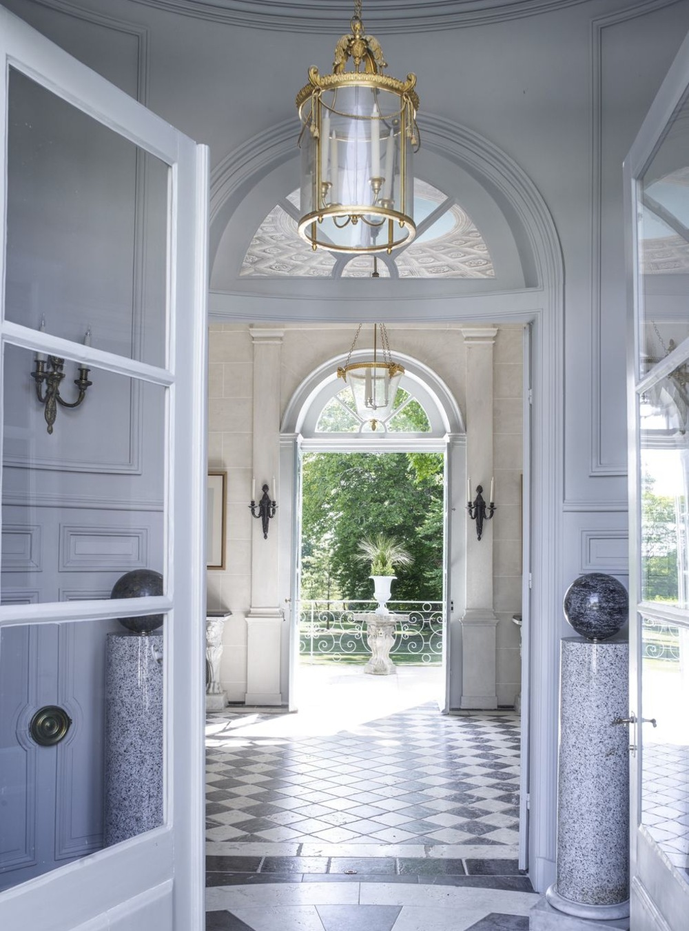 entryway lighting ideas 22 Outrageously Stunning Entryway Lighting Ideas 22 Outrageously Stunning Entryway Lighting Ideas 1 10