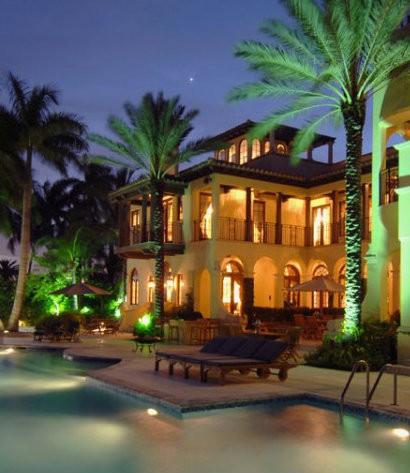 villa contenta Luxury Guide: find Villa Contenta in Palm Island Luxury Guide find Villa Contenta in Palm Island cover 410x473