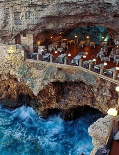 luxury Luxury restaurants: an unforgettable experience inside a cave Luxury restaurants an unforgettable experience inside a cave 410x532