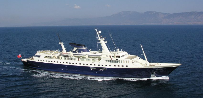 Alexander Luxury Yachts luxury yachts Top 5 private luxury yachts in the world Alexander Luxury Yachts 850x410
