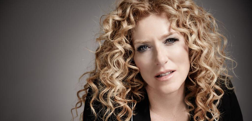 Top Interior Designer: the work of Kelly Hoppen Crystal Chandeliers 5 Crystal Chandeliers To Elevate Your Interiors Kelly Hoppen projects feature Crystal Chandeliers 5 Crystal Chandeliers To Elevate Your Interiors Kelly Hoppen projects feature