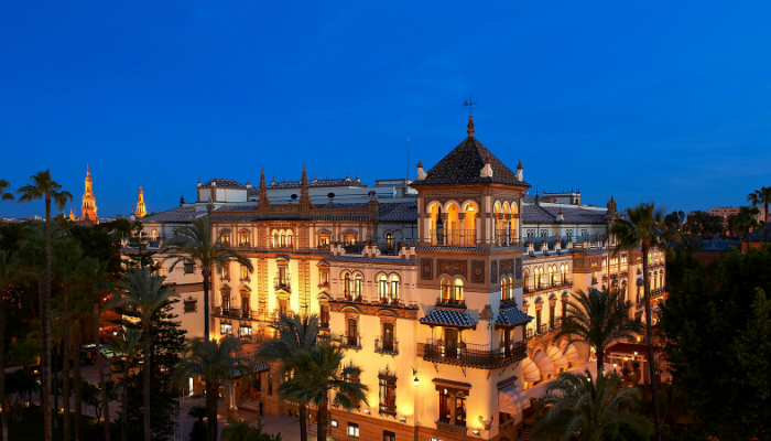 Hotel Alfonso XIII: The most Iconic Hotel of Seville was renovated luxury hotels to stay in during ldc summit Best Luxury Hotels To Stay In During LDC Summit Porto Hotel Alfonso XIII Seville 1 luxury hotels to stay in during ldc summit Best Luxury Hotels To Stay In During LDC Summit Porto Hotel Alfonso XIII Seville 1