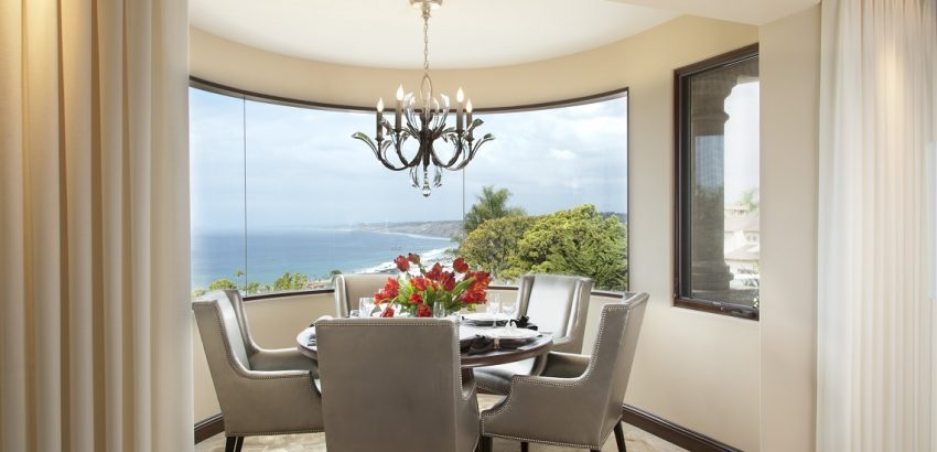 Do's and Don'ts of Dining Room Lighting dining room lighting Do's and Don'ts of Dining Room Lighting La Jolla Luxury Dining Room 1