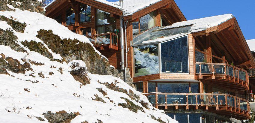 chalet zermatt peak What to Expect from a 5-Star Ski Resort like Chalet Zermatt Peak chalet zermatt peak 25 850x410