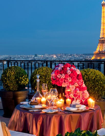 luxury travel Luxury Travel: 5 Reasons Why Paris Should Be Your Next Destination luxury travel reasons why paris next destination valentines day 410x532