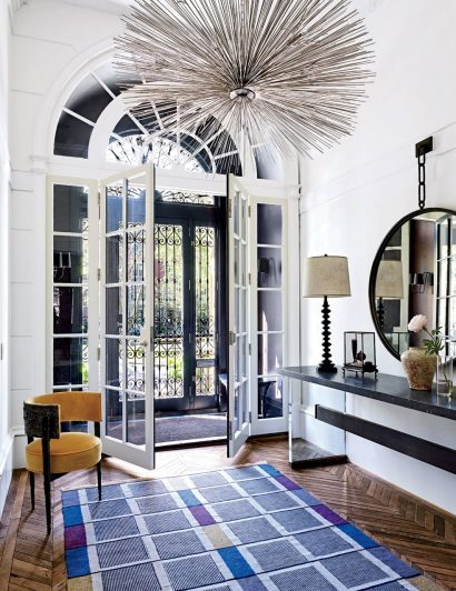 7 Elegant Entryways for the Home of Your Dreams 04 Elegant Entryways 7 Elegant Entryways for the Home of Your Dreams 7 Elegant Entryways for the Home of Your Dreams 04 410x532