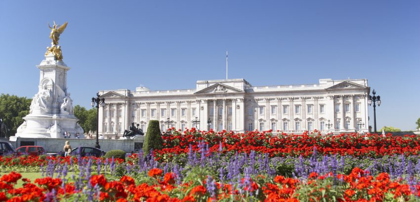 buckingham palace 5 Things You Didn't Know You Can Find Inside the Buckingham Palace 5 Things You Didnt Know You Can Find Inside the Buckingham Palace 1 850x410