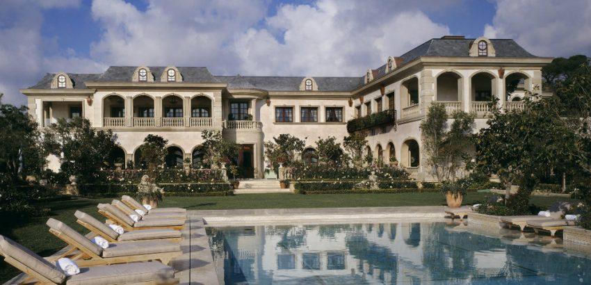 Gigi Hadid's Father is Selling an Impressive Mansion for $85 Million 01 Gigi Hadid's Father Gigi Hadid's Father is Selling an Impressive Mansion for $85 Million Gigi Hadids Father is Selling an Impressive Mansion for 85 Million 01 850x410