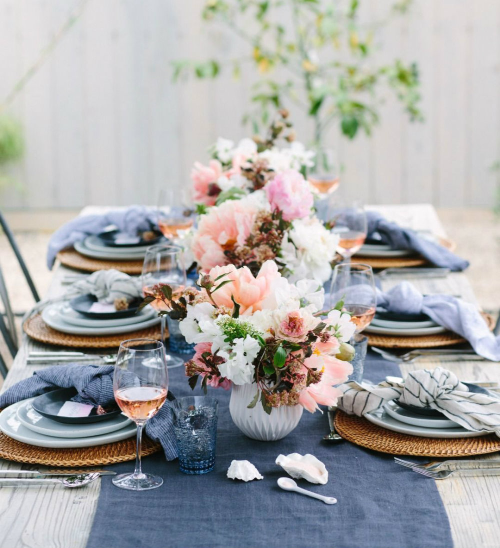 Stunning Summer Table Setting Ideas 2020 kitchen trends 2020 Kitchen Trends You'll Be Seeing Everywhere Stunning Summer Table Setting Ideas 01 2020 kitchen trends 2020 Kitchen Trends You'll Be Seeing Everywhere Stunning Summer Table Setting Ideas 01