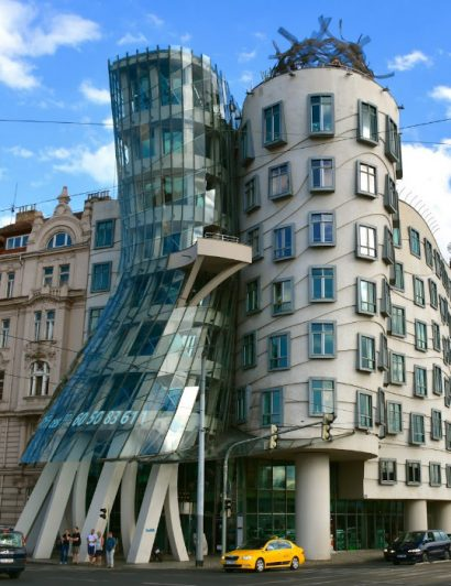 Iconic Buildings You Must See Once in Your Life 01