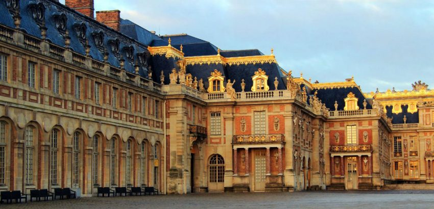 Get to Know the Beautiful Palace of Versailles 01