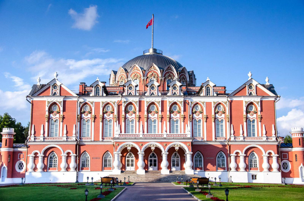 The Best Luxury Hotels in Moscow 06 Luxury Hotels in Moscow The Best Luxury Hotels in Moscow The Best Luxury Hotels in Moscow 06