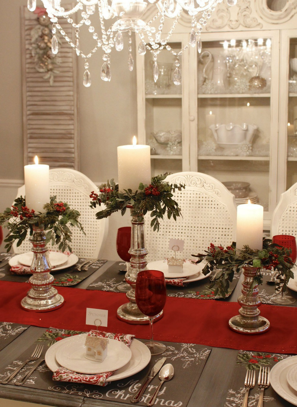Clic And Timeless Christmas Décor Ideas