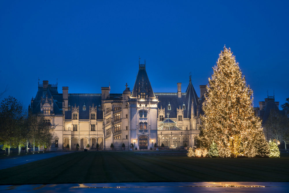 The Ultimate Luxury Christmas at Biltmore Estate christmas 2017 decorations The White House Has Revealed the Christmas 2017 Decorations The Ultimate Luxury Christmas at Biltmore Estate 01 christmas 2017 decorations The White House Has Revealed the Christmas 2017 Decorations The Ultimate Luxury Christmas at Biltmore Estate 01