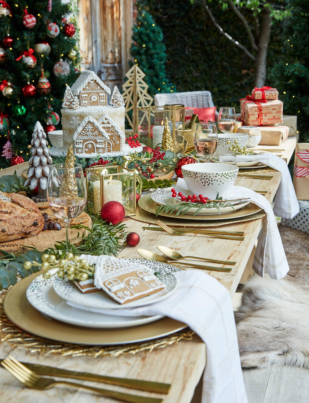 5 Elegant Christmas Table Décor Ideas 02 Christmas Table Décor 5 Elegant Christmas Table Décor Ideas 5 Elegant Christmas Table D  cor Ideas 02