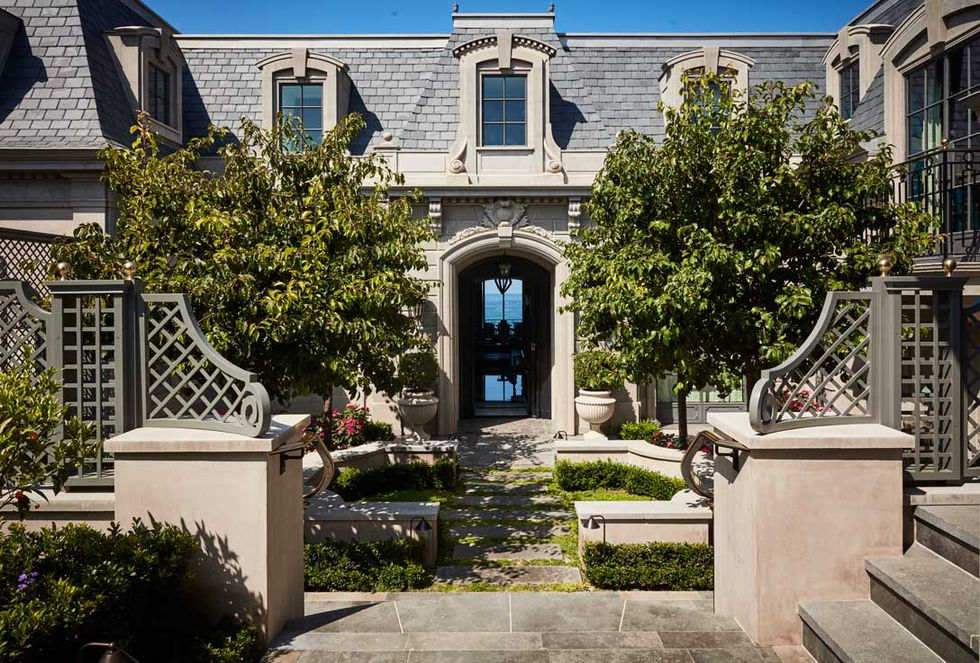 Tour a Luxury Maximalist Home in California Gigi Hadid's Father Gigi Hadid's Father is Selling an Impressive Mansion for $85 Million Tour a Luxury Maximalist Home in California 01 Gigi Hadid's Father Gigi Hadid's Father is Selling an Impressive Mansion for $85 Million Tour a Luxury Maximalist Home in California 01