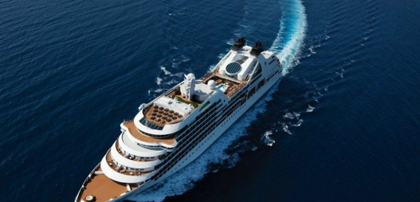 LUXURIOUS CRUISE SHIPS - THE BEST OF BOTH WORLDS 09 luxurious cruise ships Luxurious Cruise Ships – The Best Of Both Worlds LUXURIOUS CRUISE SHIPS THE BEST OF BOTH WORLDS 09 850x410