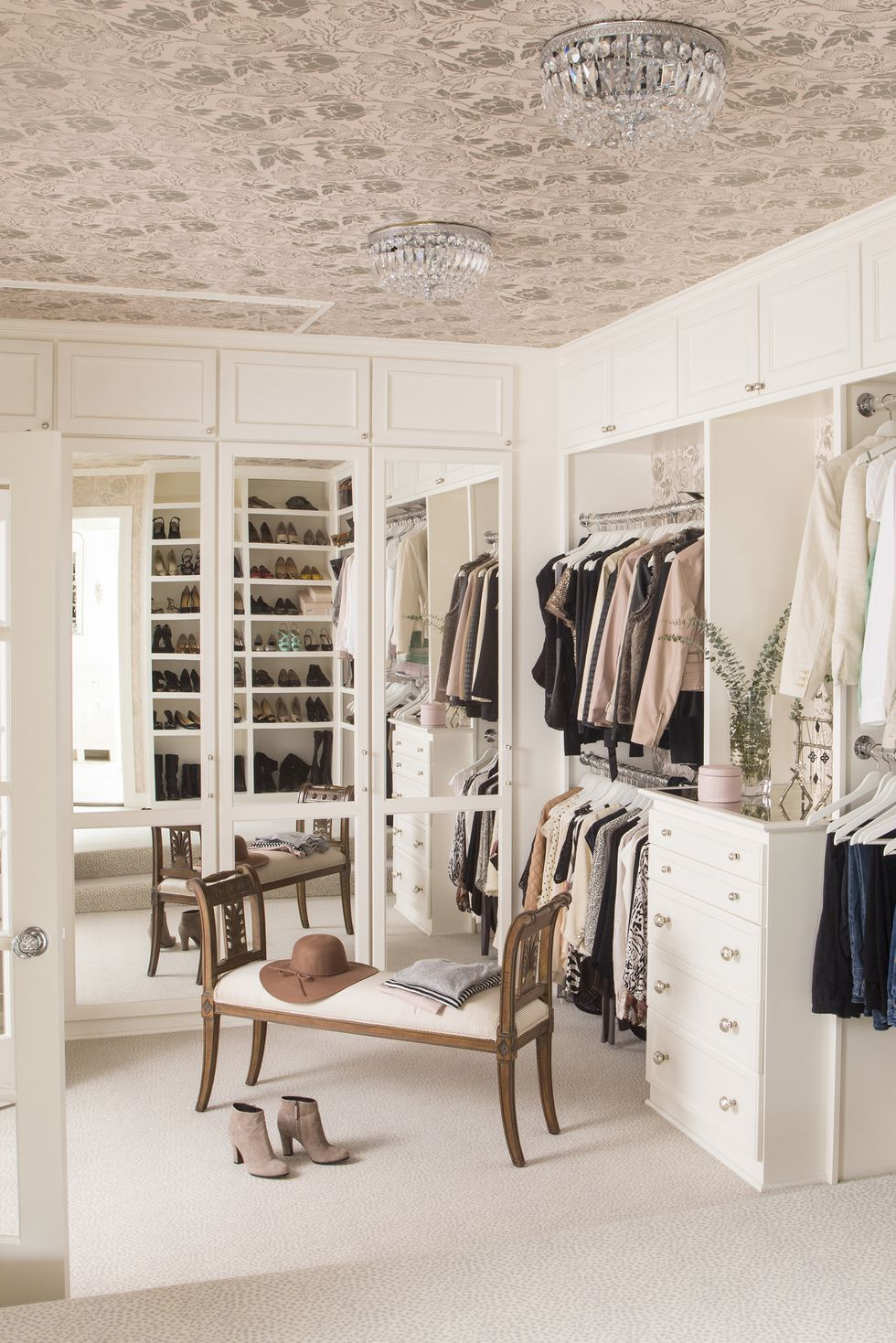 5 Luxury Closet Decor Ideas 03