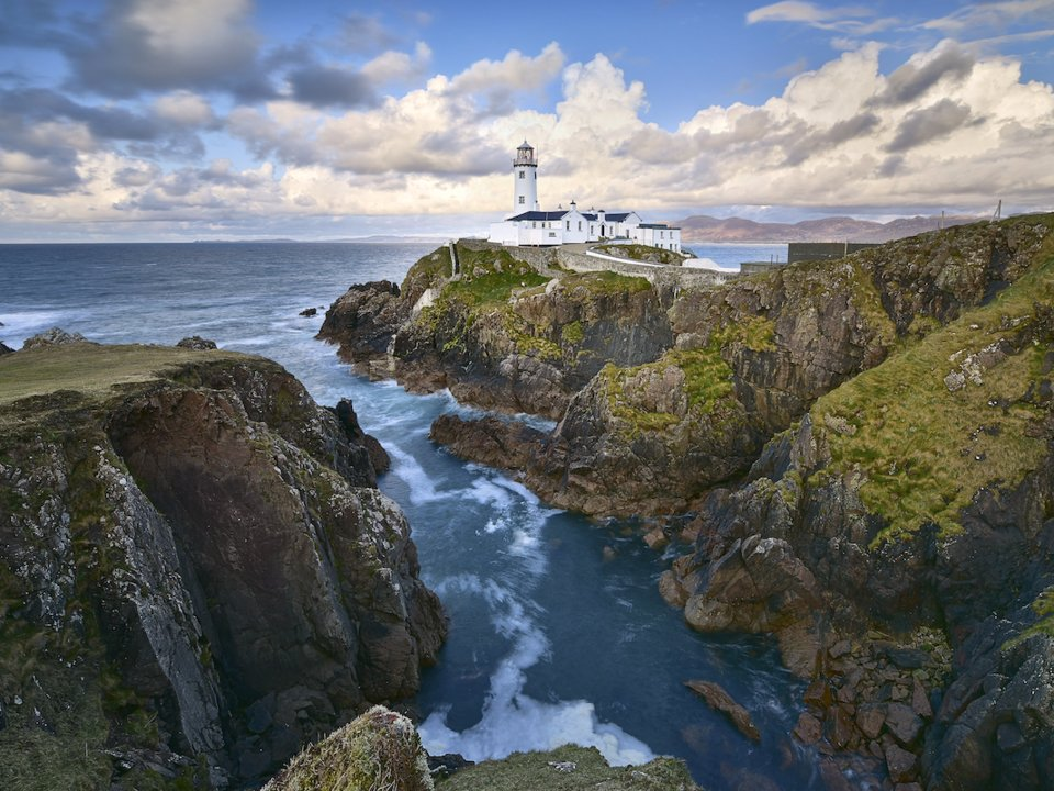 5 Of The Most Beautiful Lighthouses in the World most beautiful lighthouses in the world 5 Of The Most Beautiful Lighthouses In The World Fanad Lighthouse Ireland