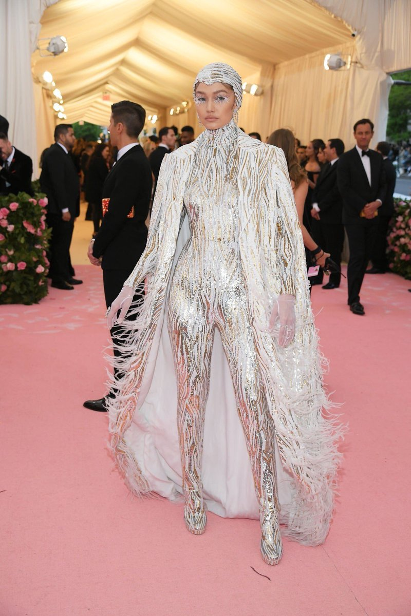Met Gala 2019 Red Carpet - The Best Dressed 04 met gala 2019 red carpet Met Gala 2019 Red Carpet – The Best Dressed Met Gala 2019 Red Carpet The Best Dressed 04