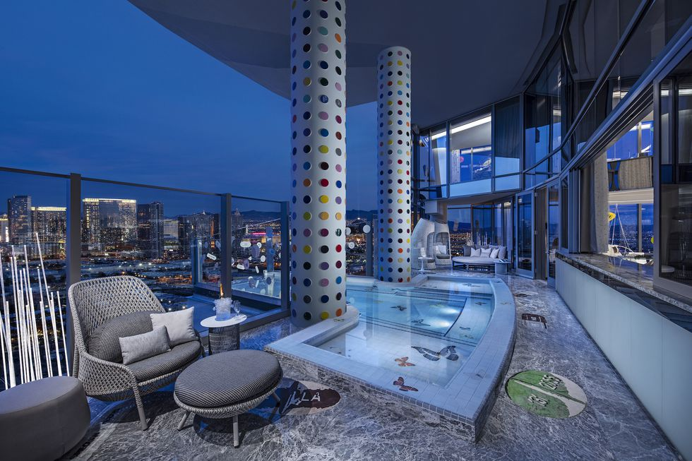 The World's Most Expensive Hotel Suite the world's most expensive hotel suite The World's Most Expensive Hotel Suite balcony pool