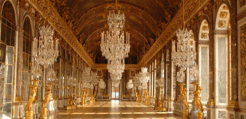 Most Iconic Chandeliers In The World 03 most iconic chandeliers Most Iconic Chandeliers In The World Most Iconic Chandeliers In The World 03 850x410