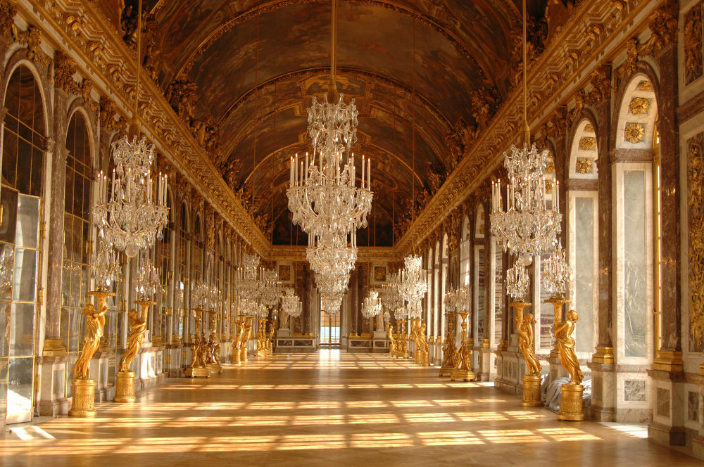 Most Iconic Chandeliers In The World