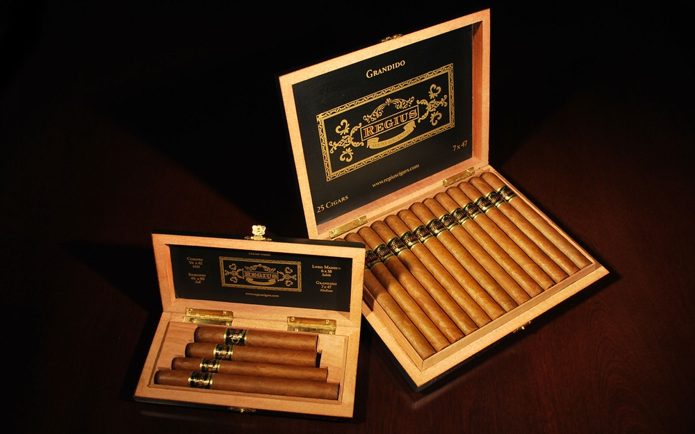 The Most Expensive Cigars in The World regius-cigars-black the most expensive cigars in the world The Most Expensive Cigars in The World The Most Expensive Cigars in The World regius cigars black