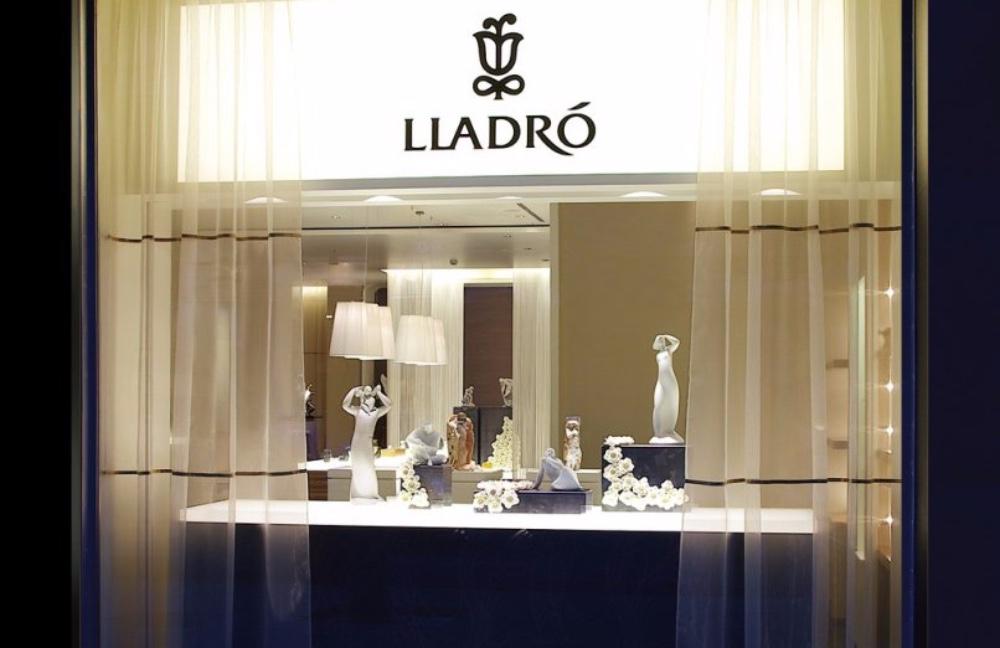 Luxury Stores in Valencia statement lighting piece luxury stores in valencia Luxury Stores in Valencia Luxury Stores in Valencia statement lighting piece