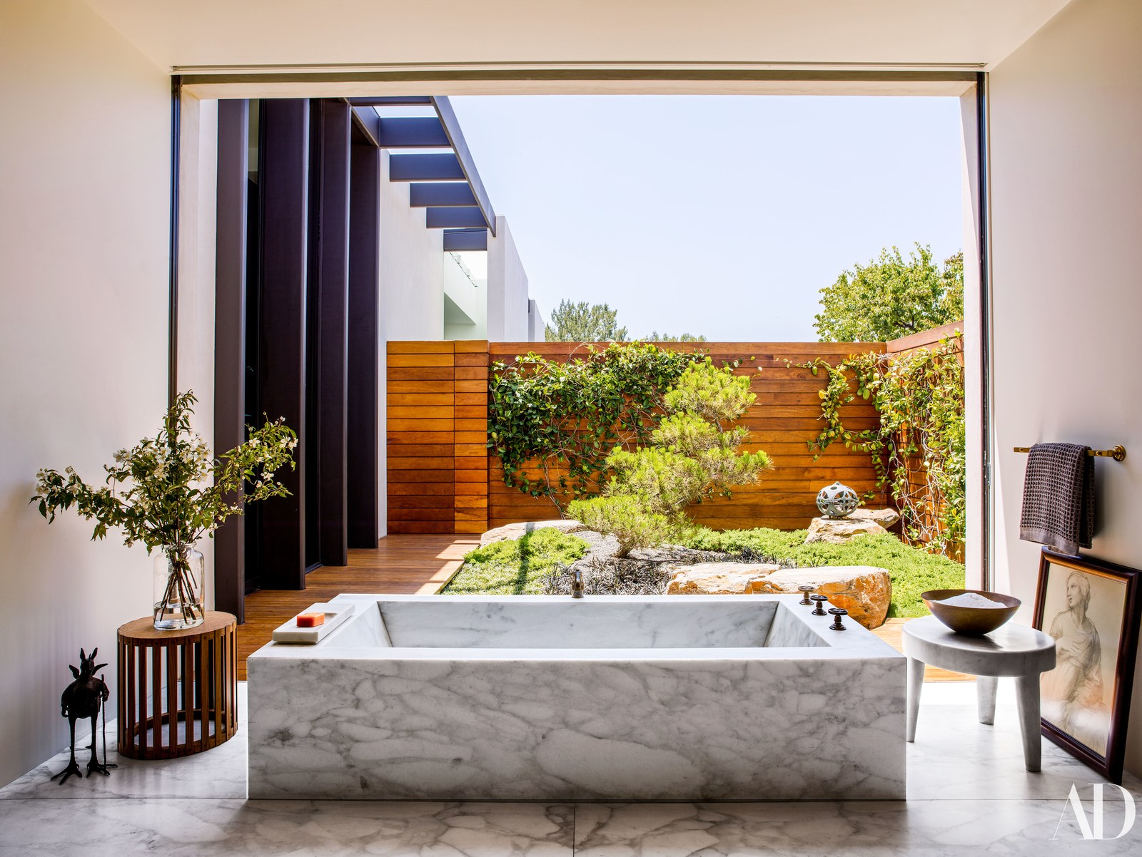 5 Celebrity Bathrooms You Need To See