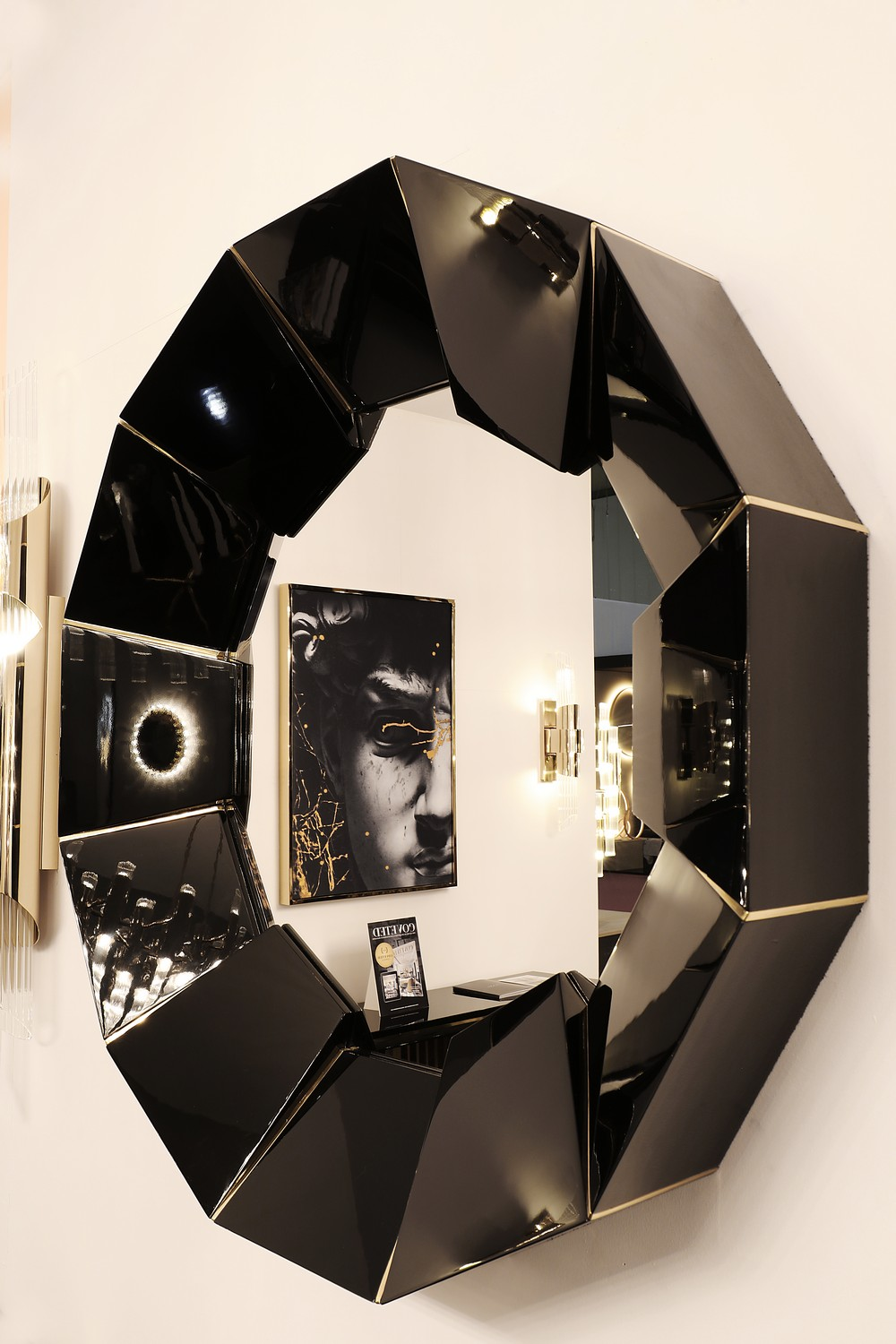 Home Decoration Ideas 10 Ostentatious Mirrors for a Unique Aesthetic 5 home decoration ideas Home Decoration Ideas: 10 Ostentatious Mirrors for a Unique Aesthetic Home Decoration Ideas 10 Ostentatious Mirrors for a Unique Aesthetic 5