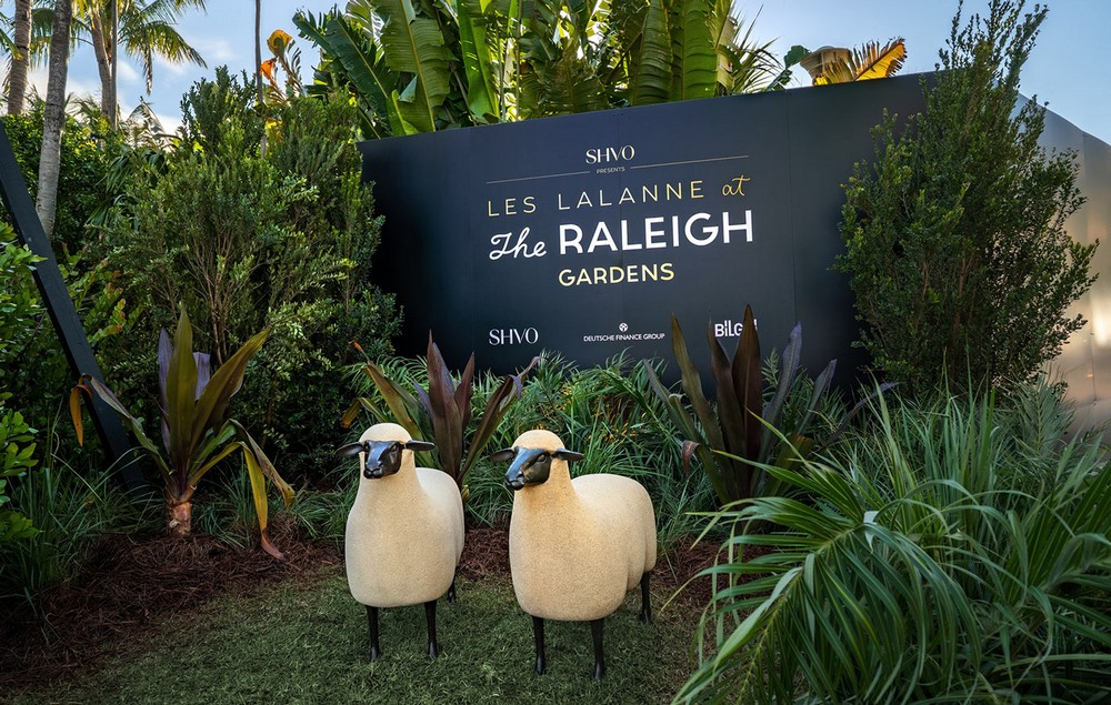 Les Lalanne at the Raleigh Gardens is Miami Beach's Must-See Exhibit 4 miami beach Les Lalanne at the Raleigh Gardens is Miami Beach's Must-See Exhibit Les Lalanne at the Raleigh Gardens is Miami Beachs Must See Exhibit 4