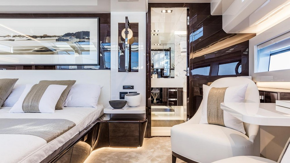 Luxury Yachts 4 Marvelous Interiors Designed by Kelly Hoppen_5 luxury yachts Luxury Yachts: 4 Marvelous Interiors Designed by Kelly Hoppen Luxury Yachts 4 Marvelous Interiors Designed by Kelly Hoppen 5