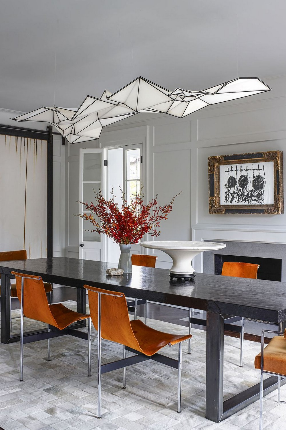statement chandeliers 13 Dazzling Interior Designs that Highlight Statement Chandeliers 13 Dazzling Interior Designs that Highlight Statement Chandeliers 12