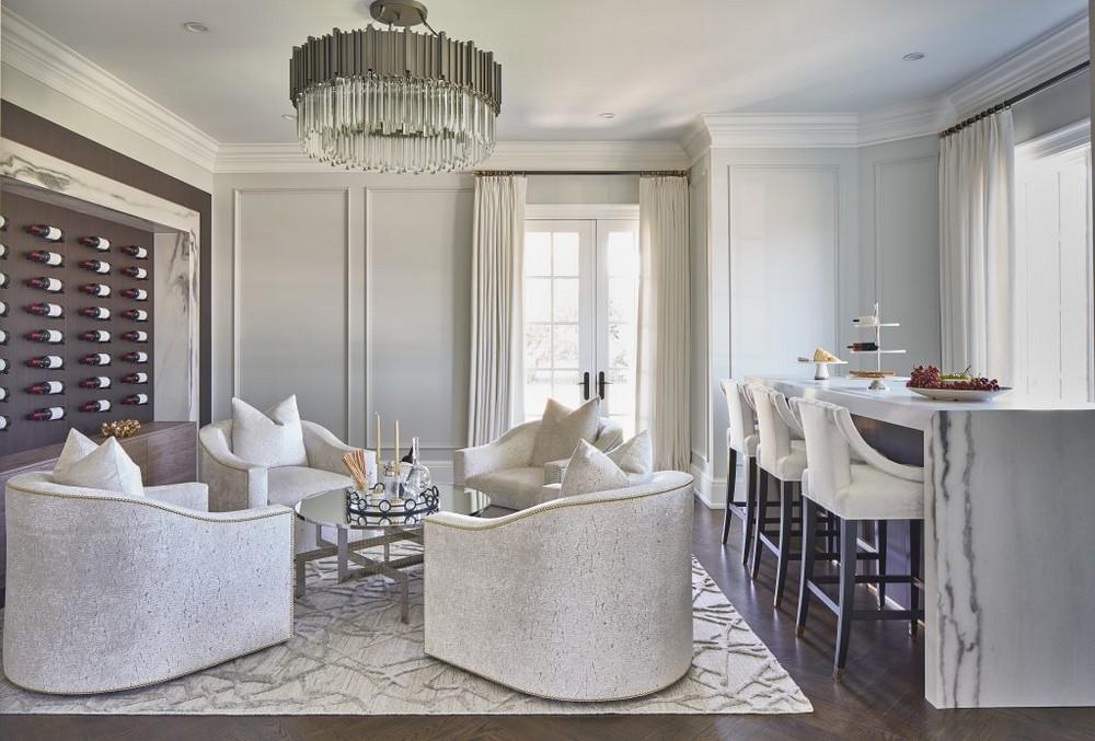 13 Dazzling Interior Designs that Highlight Statement Chandeliers 13