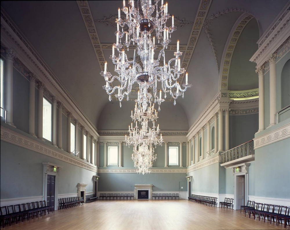 5 Outstanding Sculptural Chandeliers Found in Historic Buildings 2 sculptural chandeliers 5 Amazing Sculptural Chandeliers Found in Historic Buildings in the UK 5 Outstanding Sculptural Chandeliers Found in Historic Buildings 2 1