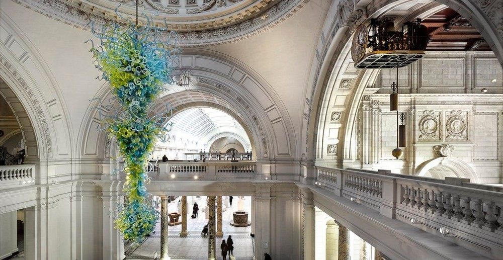 5 Outstanding Sculptural Chandeliers Found in Historic Buildings 3 sculptural chandeliers 5 Amazing Sculptural Chandeliers Found in Historic Buildings in the UK 5 Outstanding Sculptural Chandeliers Found in Historic Buildings 3