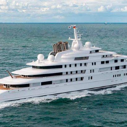 largest yachts Be In Awe of the Massive Structure of the World's Largest Yachts Be In Awe of the Massive Structure of the Worlds Largest Yachts 19 featured 410x410