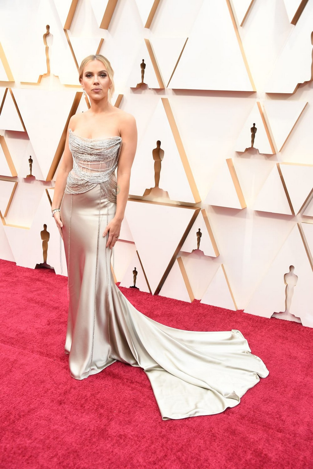 Oscars 2020 Sleeves were Certainly in Fashion at the Red Carpet 10 oscars 2020 Oscars 2020: Statement Sleeves in Fashion on the Red Carpet Oscars 2020 Sleeves were Certainly in Fashion at the Red Carpet 10