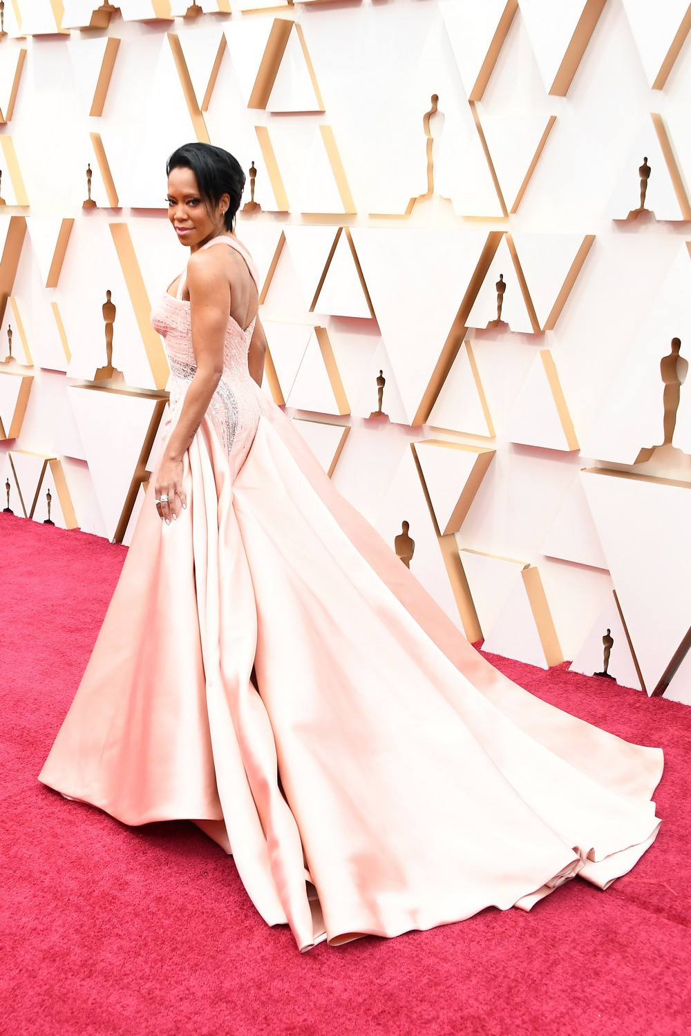 oscars 2020 Oscars 2020: Statement Sleeves in Fashion on the Red Carpet Oscars 2020 Sleeves were Certainly in Fashion at the Red Carpet 4